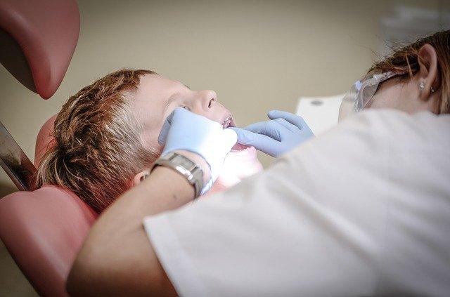 clinica stomatologica din sector 4